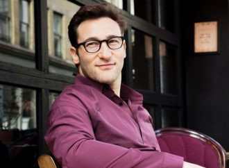 Simon Sinek on Why Focusing on Winning is the Quickest Way to Losing