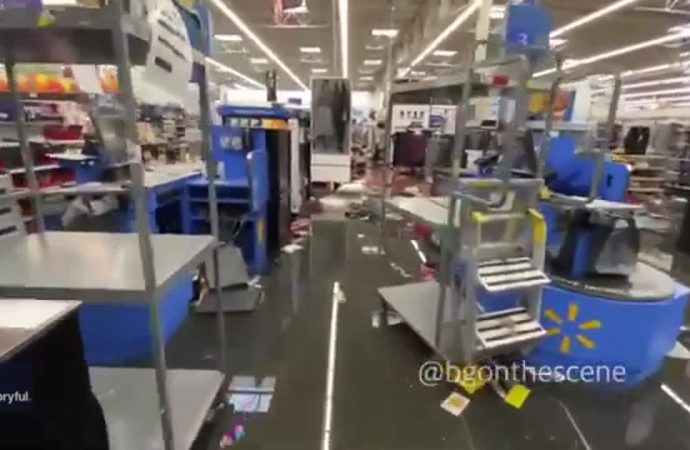 Philadelphia Walmart Ransacked and Flooded After Looting